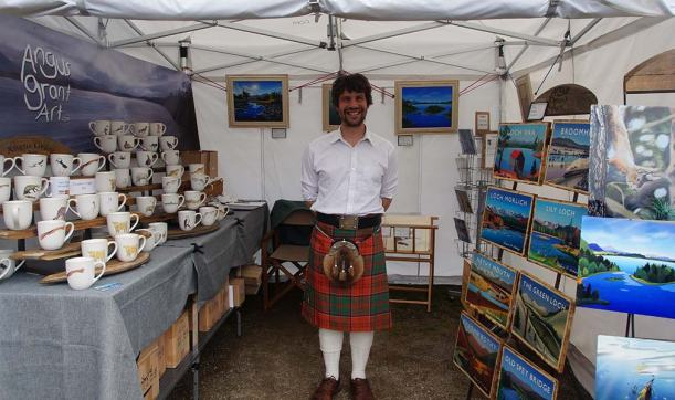Angus Grant Art craft fair stall kilted