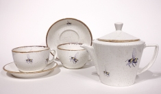 New Bumblebee teapots, cups and saucers from Angus Grant Art